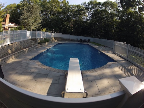 Luxury 4 Bedroom House Minutes TO Everything! NEW Heated Pool AND Central Air!!