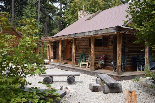 Book Your Fall Getaway Just 5 MIN From Fish Lake/lake Wenatchee Great Property