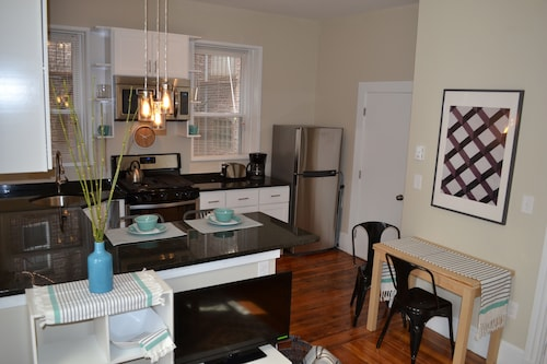 Best Boston Location, North End, Little Italy, Lovely and Welcoming 2 BR apt