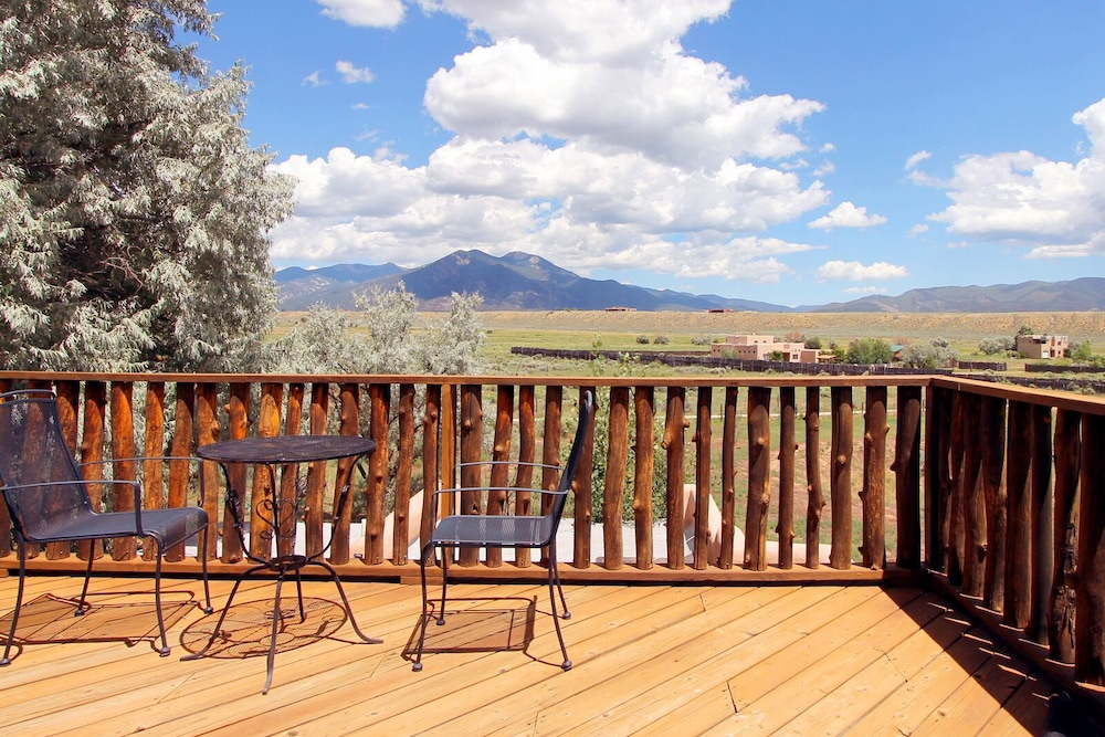 Balcony, Blue Bird Farm - Spacious Stylish 5 Bed/3 Bath Taos Farmhouse With AC