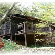 Secluded Mountain Cabin, Lakefront, Hiking, Fishing, Relaxing