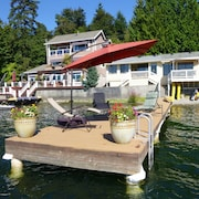 Tranquil Lake House Near Seattle, Issaquah, Redmond