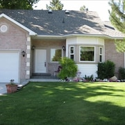 1 Bdrm Quiet Neighborhood in Holladay Area of Salt Lake City. Call for Specials