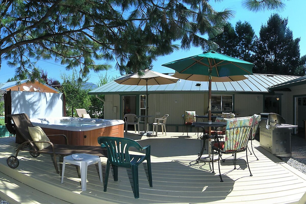 Lake Shasta Pine House Located Lakehead California In Mount Hotel Rates Reviews On Orbitz