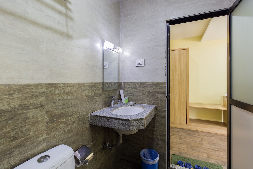 Bathroom, Siddhartha Resort, Chumlingtar