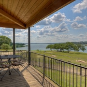 Canyon Lake Waterfront Paradise W/Guesthouse - 7 Br villa by RedAwning