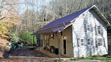 Double Falls - 3 Br home by RedAwning - Bryson City Hotels