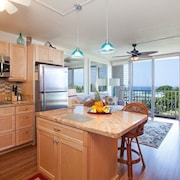 Puako Beach Penthouse 405 - 3 Br condo by RedAwning