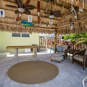 Conch Crib - 2 Br home by RedAwning