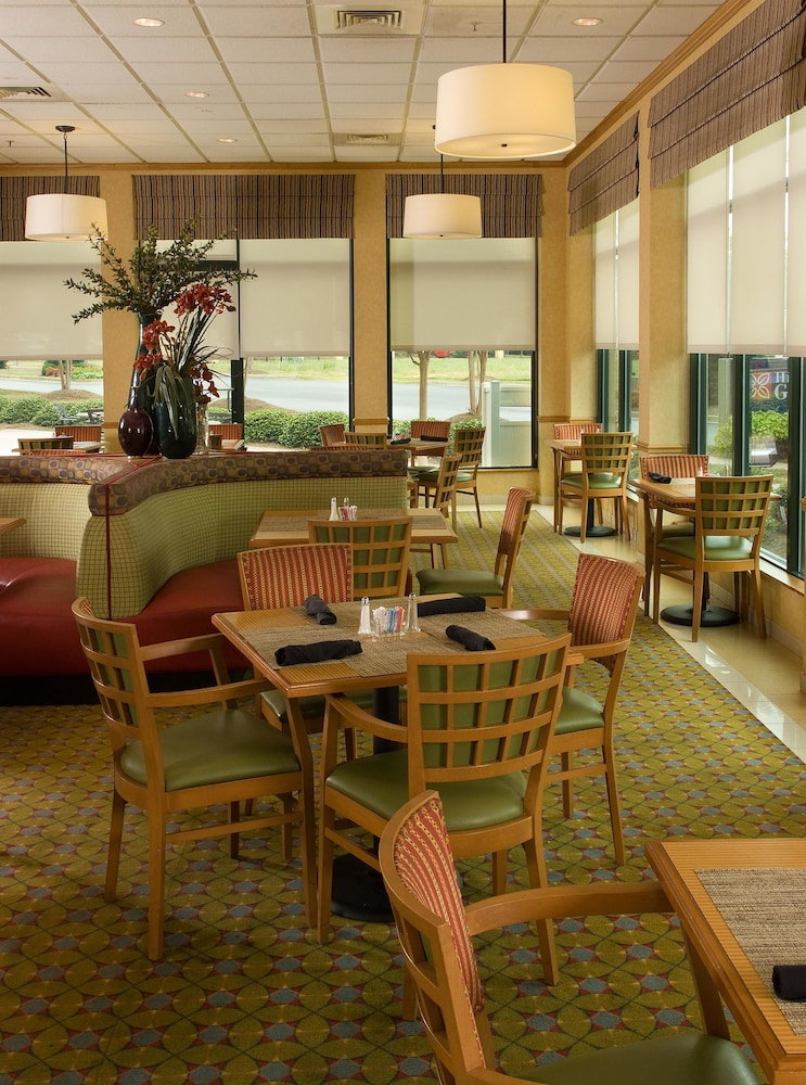 Hilton Garden Inn Atlanta Airport Millenium Center In College Park Hotel Rates Reviews In Orbitz