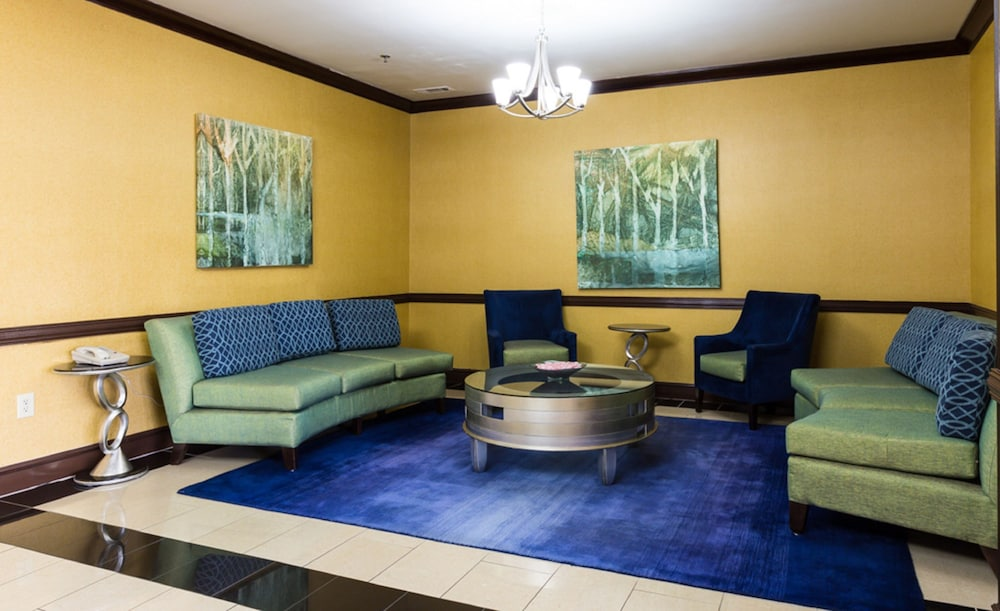 Lobby, Holiday Inn Express Hinesville