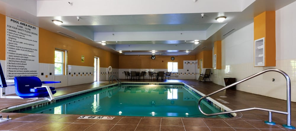 Pool, Holiday Inn Express Hinesville