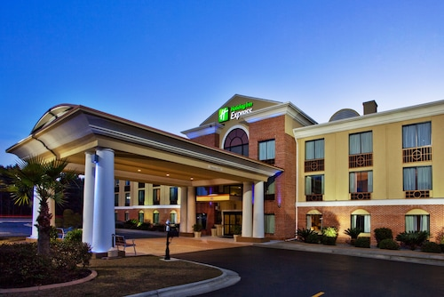 Check Expedia for Availability of Holiday Inn Express Hinesville