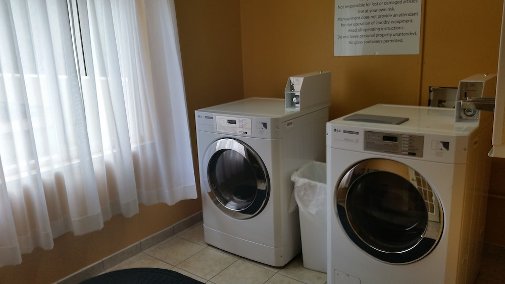 Laundry Room, Holiday Inn Express Hinesville