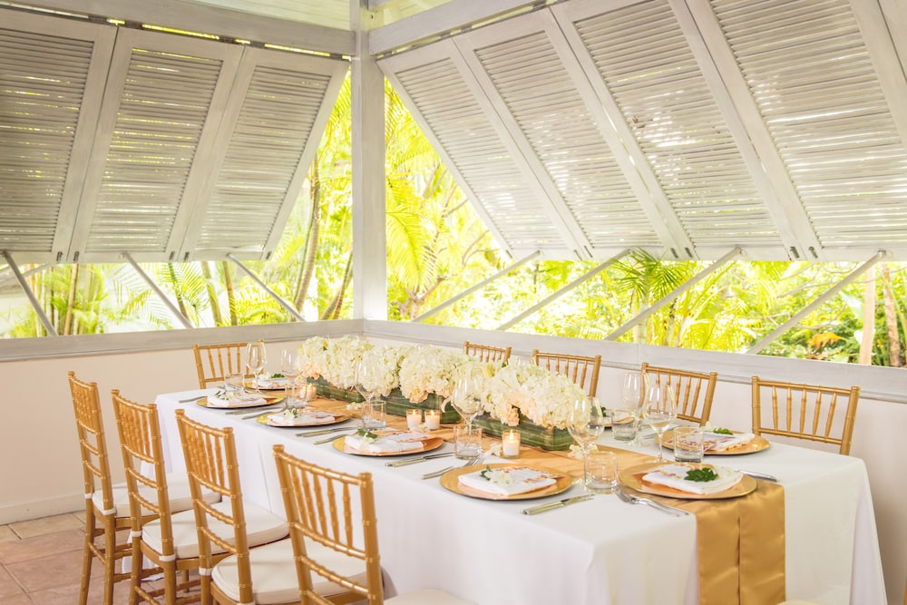 Indoor Wedding, Carlisle Bay