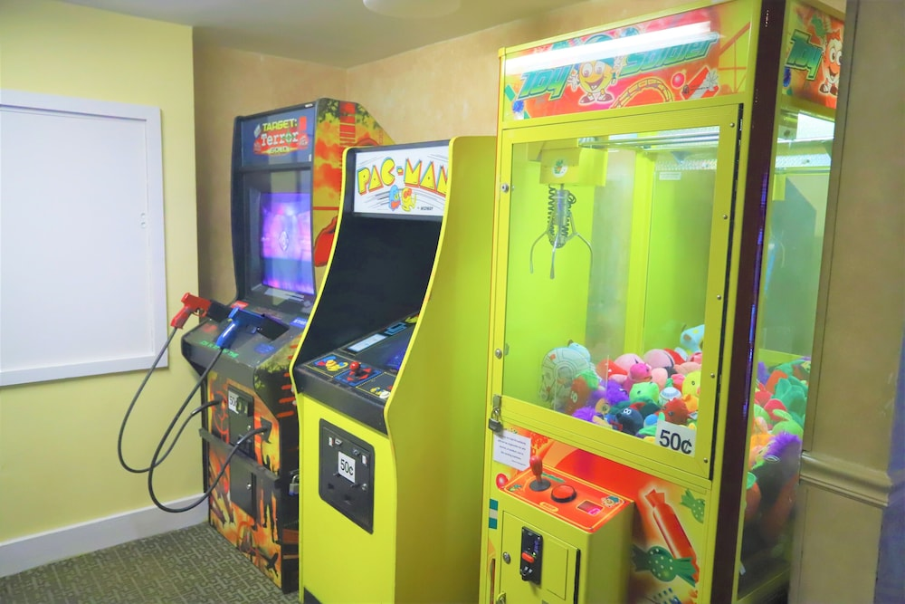 Game Room, Days Inn by Wyndham East Stroudsburg