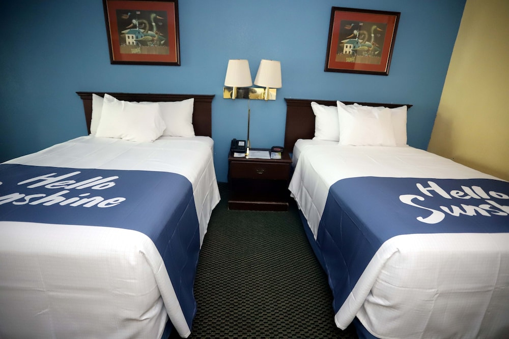 Room, Days Inn by Wyndham East Stroudsburg