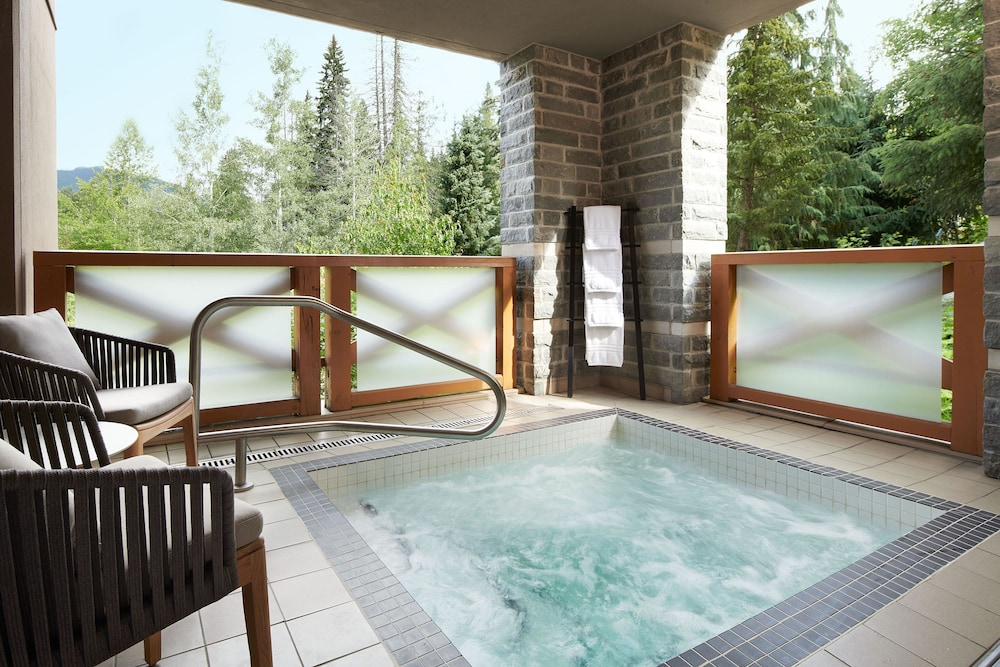 Outdoor Spa Tub, Four Seasons Resort Whistler