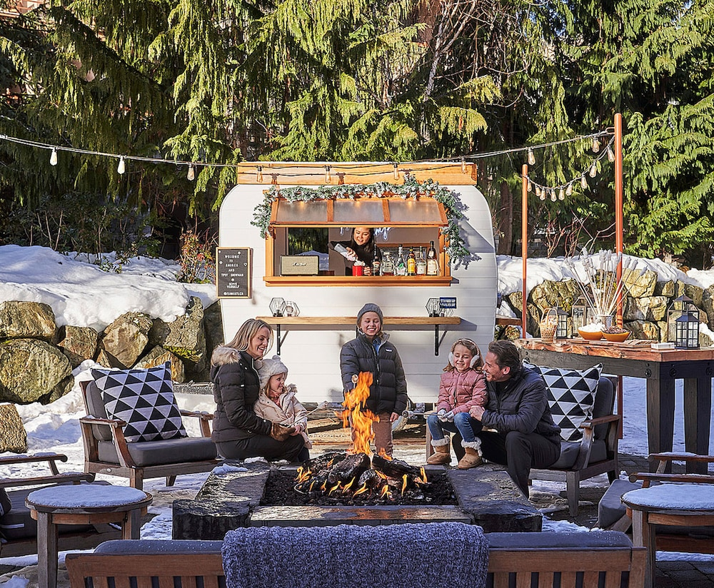 Outdoor Dining, Four Seasons Resort Whistler