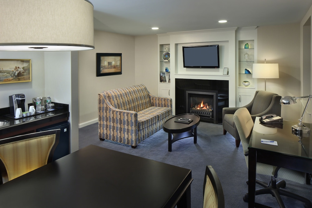 Living Area, Andover Inn