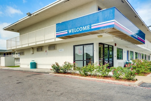 Check Expedia for Availability of Motel 6 Muskogee