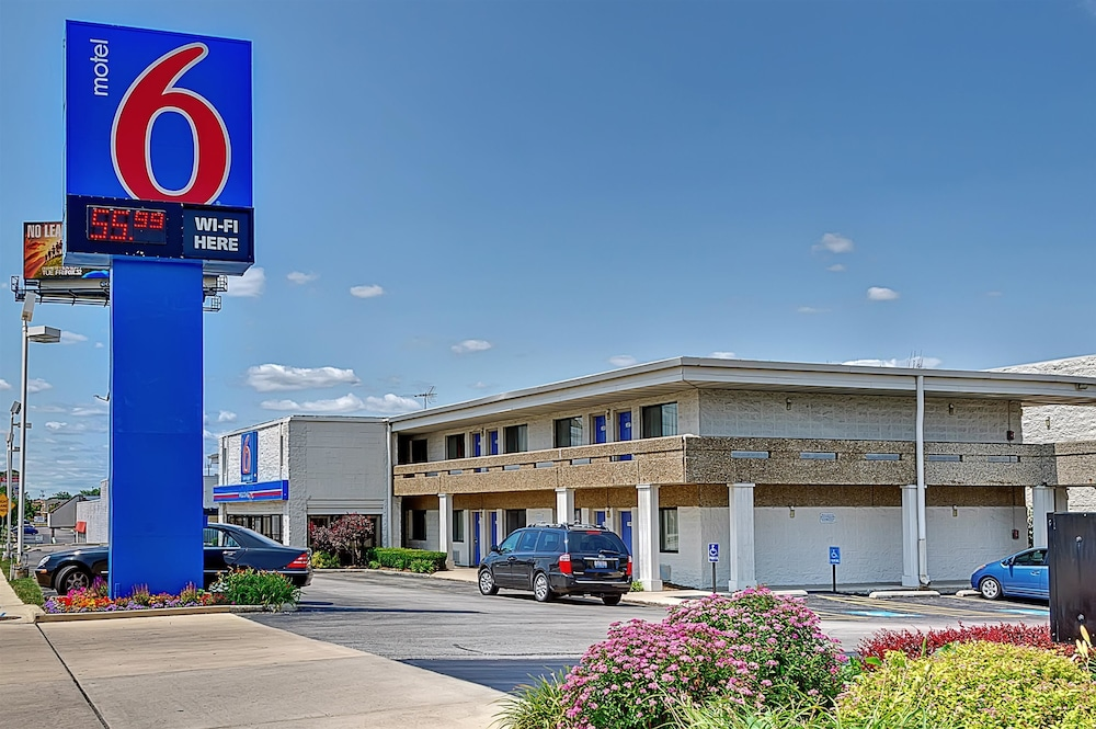 Motel 6 chicago west villa park deals reviews villa for Motels in chicago