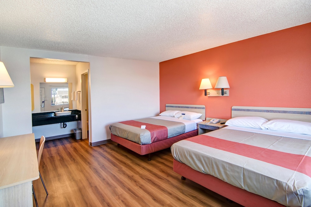 Room, Motel 6 Euless, TX - Dallas