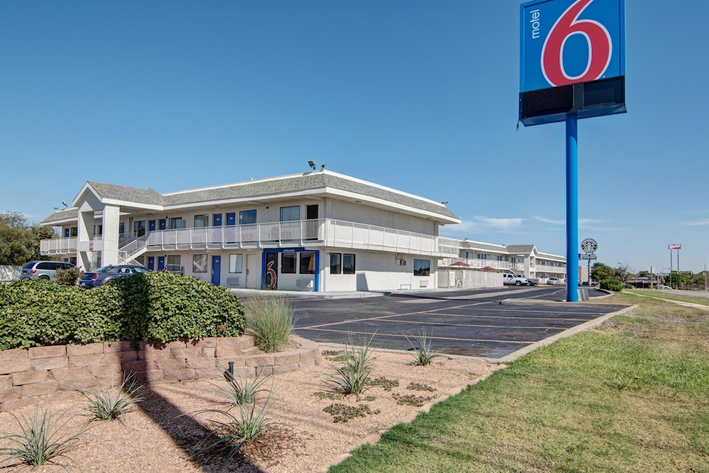 Featured Image, Motel 6 Euless, TX - Dallas