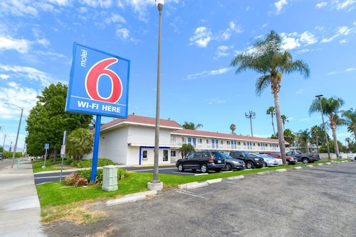 Motel 6 Costa Mesa, CA