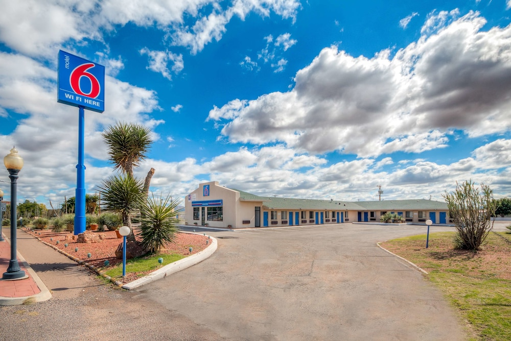 Featured Image, Motel 6 Van Horn, TX