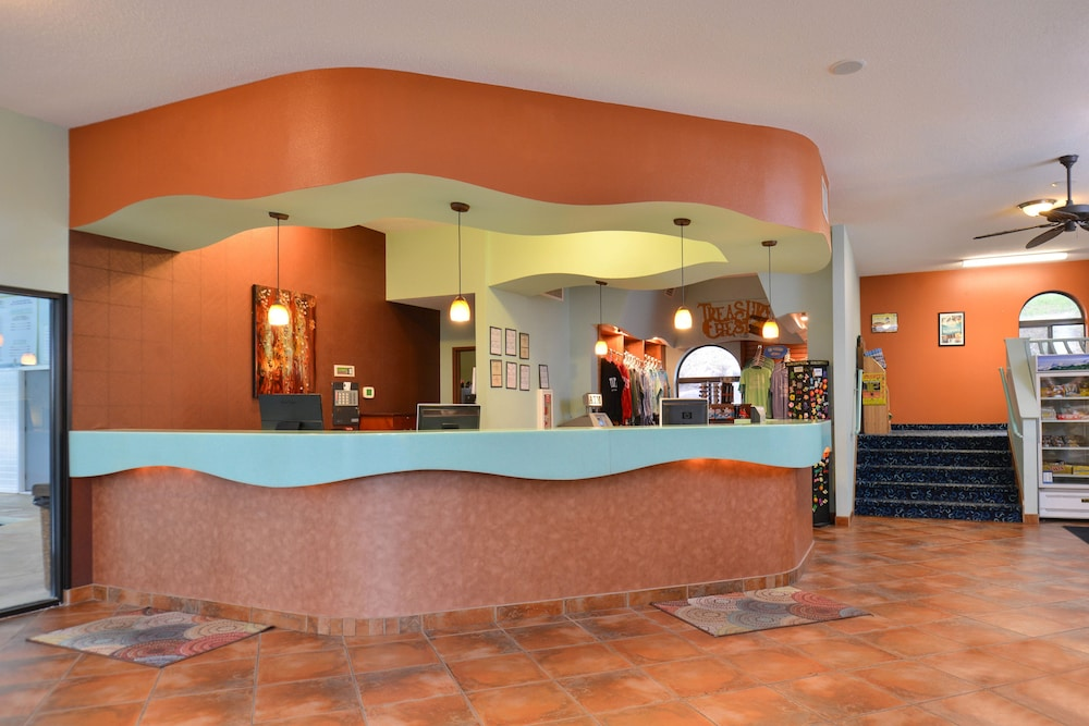 Atlantis Waterpark Hotel Suites 3 0 Out Of 5 Featured Image Interior Entrance