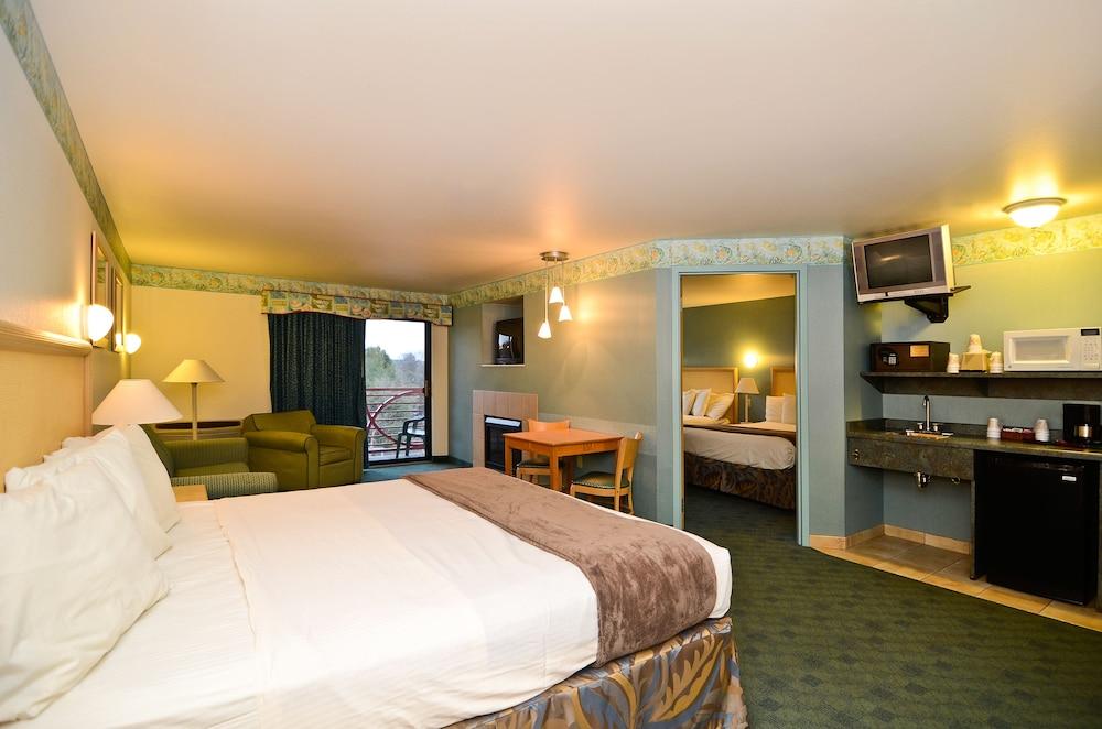 Atlantis Waterpark Hotel Suites 2018 Room Prices Deals Reviews