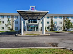 Motel 6 Whitby, ON - Toronto East