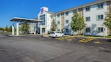 Motel 6 Toronto East - Whitby - Whitby Hotels