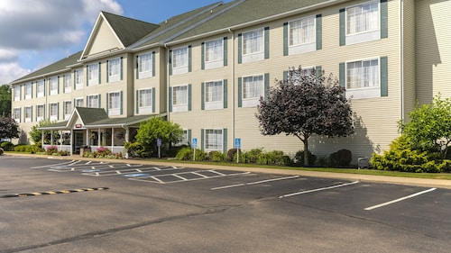 Coshocton Village Inn and Suites