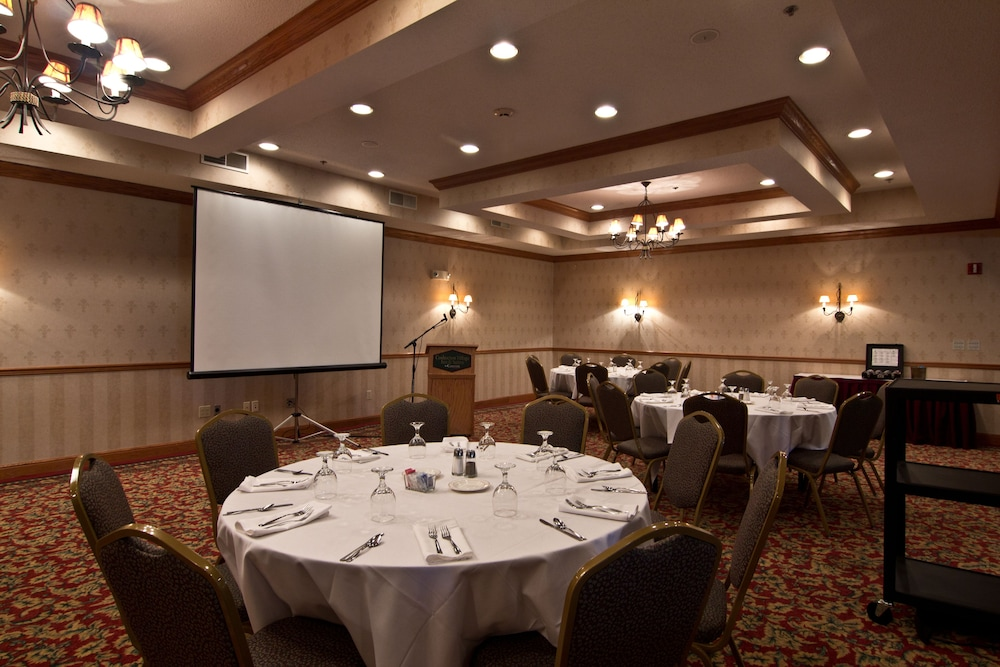 Banquet Hall, Coshocton Village Inn and Suites