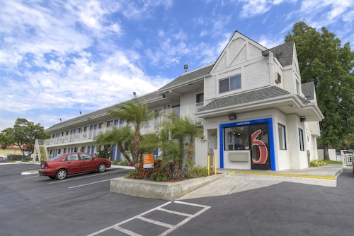 Great Place to stay Motel 6 Los Angeles - Baldwin Park near Baldwin Park