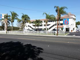Motel 6 Bellflower, CA - Los Angeles