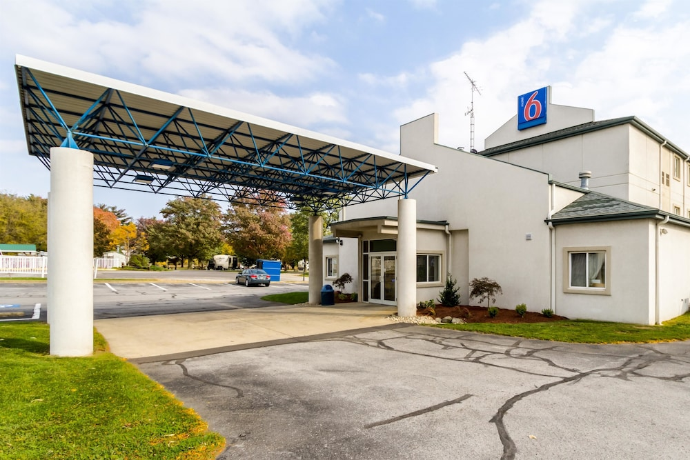 Motel 6 Sandusky - Milan: 2019 Room Prices $48, Deals
