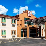 Seasons Inn Traverse City
