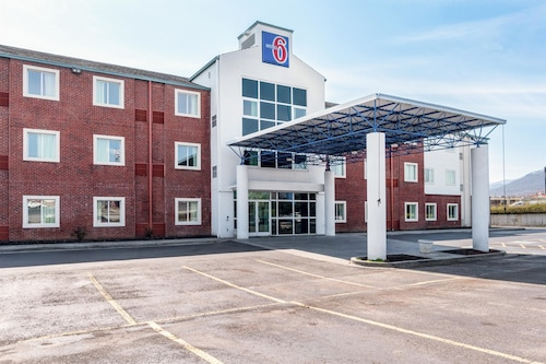 Motel 6 Newport, TN