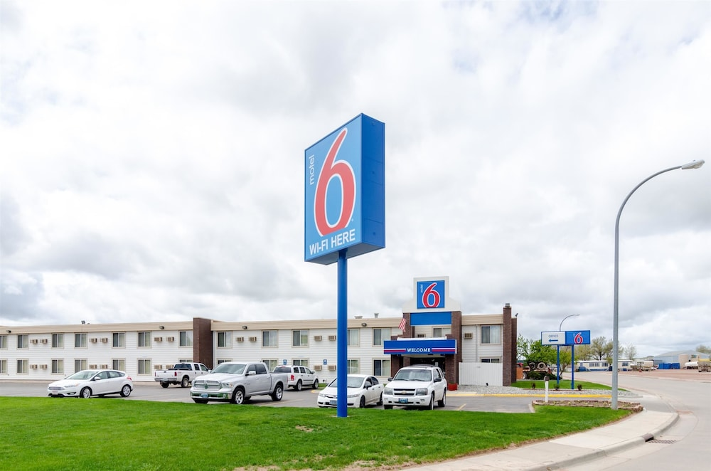 Front of Property, Motel 6 Gillette, WY