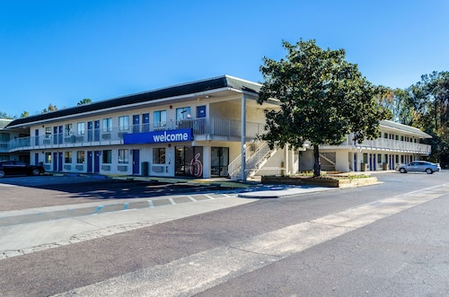 Motel 6 Charleston, SC - North