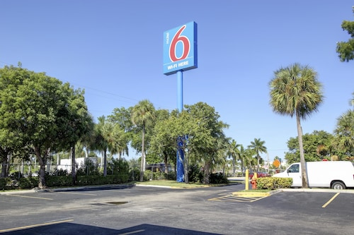 Great Place to stay Motel 6 Lantana near Lantana