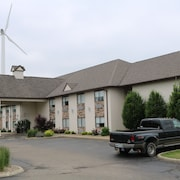 Schoenbrunn Inn & Conf. Center, Ascend Hotel Collection