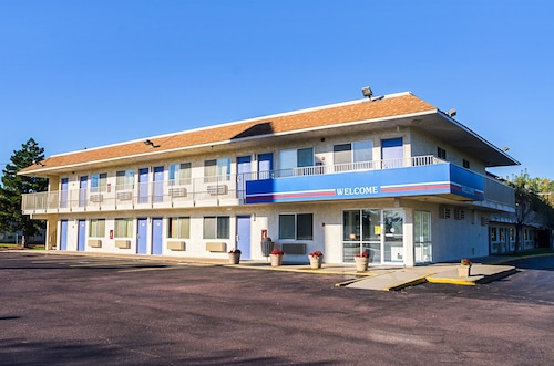 Check Expedia for Availability of Motel 6 Mitchell