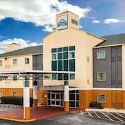 Days Inn & Suites Augusta Near Fort Gordon
