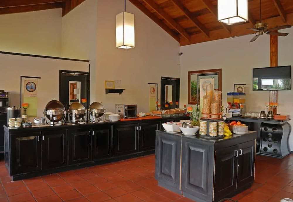 Breakfast buffet, Country Inn & Suites by Radisson, San Jose Aeropuerto, Costa Rica