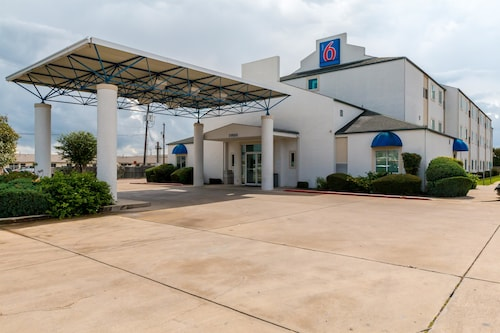 Motel 6 San Antonio South