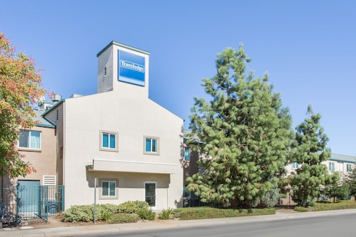 Travelodge by Wyndham Yuba City